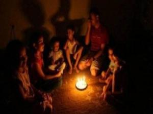 غزة تموت.. مستشفيات غزة تتوقف جزئيا عن العمل بسبب الوقود